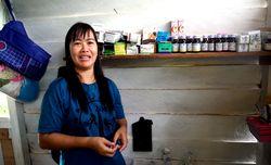 Bangun Poliklinik Sendiri, Begini Cerita Bidan Desa Suruh Tembawang