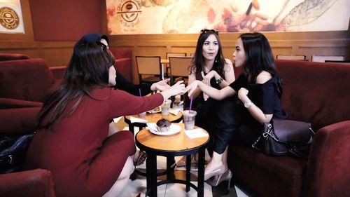 Hangout Seru Ala Sosialita dengan Bank Mega