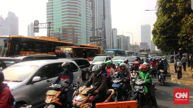 Pemprov DKI Tunda Uji Coba Larangan Motor Senayan-Bundaran HI