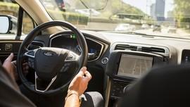 Kewajiban Pengemudi Taksi Online Versi Kemenhub
