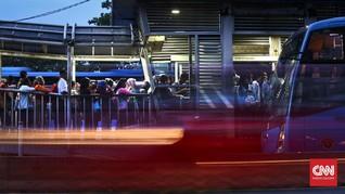 Transjakarta Diminta Kembali Buka Loket Tunai