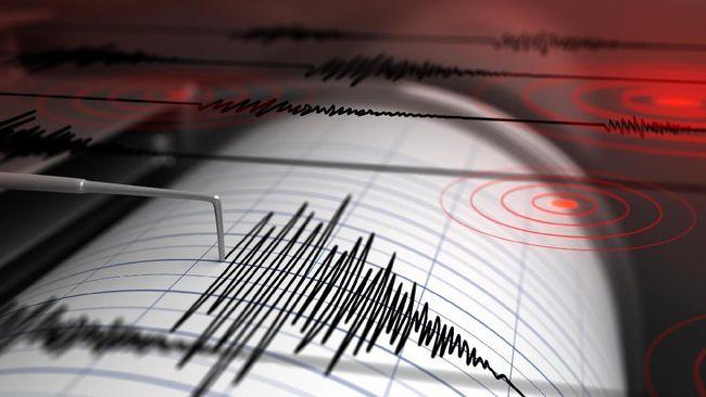 Warga Bengkulu 'Berhamburan' Diguncang Gempa 6,4 SR