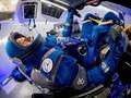 Boeing Rilis Kostum Antariksa dengan Sarung Tangan Khusus