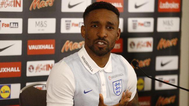Defoe Tak Pernah Menyerah untuk Kembali ke Timnas Inggris