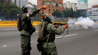 Warga dan Tentara Serang Markas Militer Venezuela, Dua Tewas