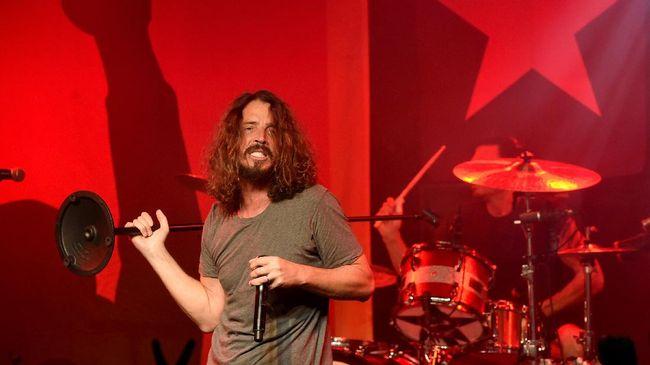 Telepon Terakhir Chris Cornell & Istri Tak Tandakan Depresi