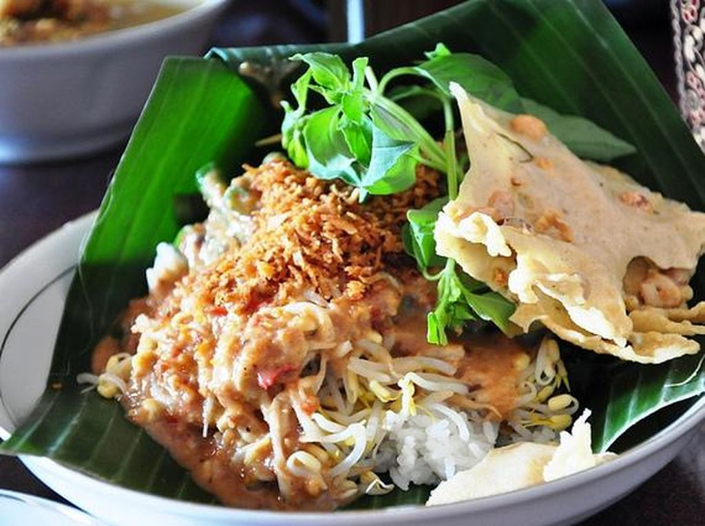 5 Tempat Makan Ini Punya Nasi Pecel Enak di Jakarta