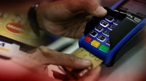 Waspada Gesek Kartu Kredit