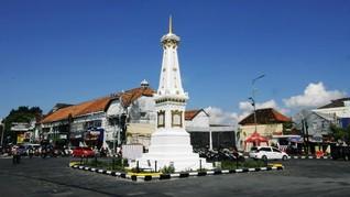 Ribuan Warga Yogyakarta Ikuti Ritual Budaya Mubeng Beteng