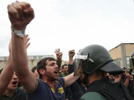 Spanyol Penjarakan Dua Pemimpin Separatis Catalonia