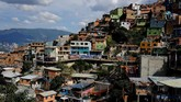 San Javier atau Comuna 13, merupakan salah satu area yang bertahun-tahun terdera aksi kekerasan geng pengedar narkoba di sana.