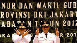 FOTO: Anies-Sandi Terima Amanah Gubernur/Wakil Gubernur DKI