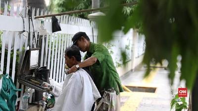 Hasan, Si Tukang Cukur yang Pantang Mundur