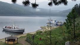 Putin Khawatir dengan Kelestarian Danau Baikal