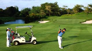 Perkenalkan Wisata Golf Lewat Famtrip Golf Batam dan Bintan