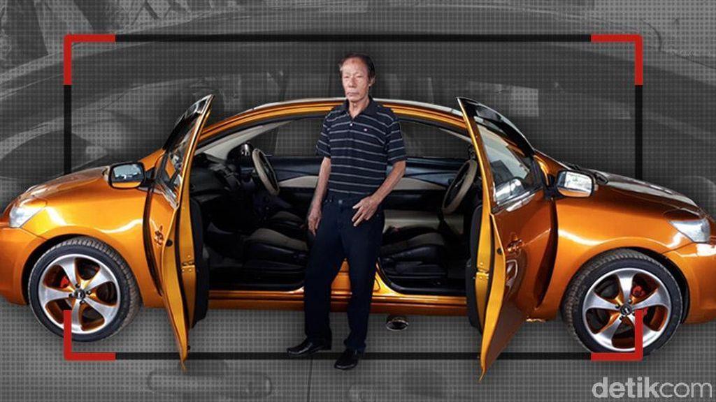 Mobil Bermuka Dua
