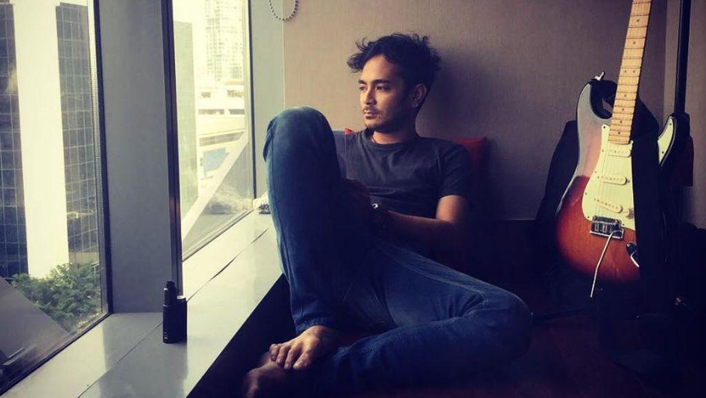 Ragam Aktivitas Fisik Marthino Lio, Pemeran Adam yang Bikin Baper di Eiffel I'm In Love 2