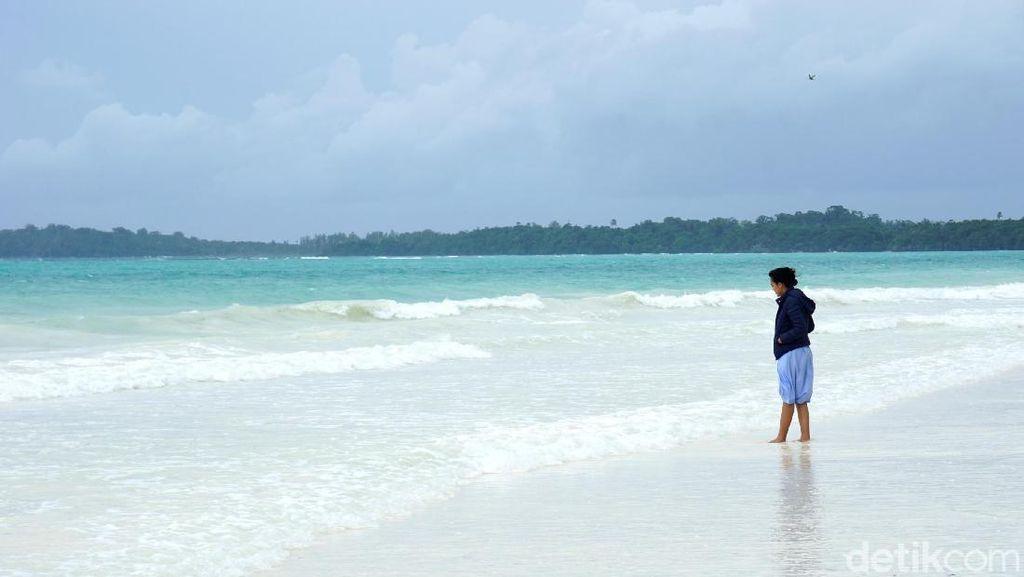 Pantai dengan Pasir Terhalus Sedunia Ada di Indonesia