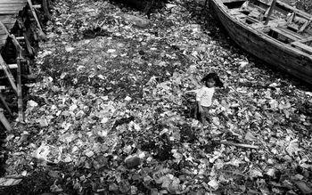 Jawara Lomba Foto 'Semangat Anak Indonesia' dalam Bingkai Hitam Putih