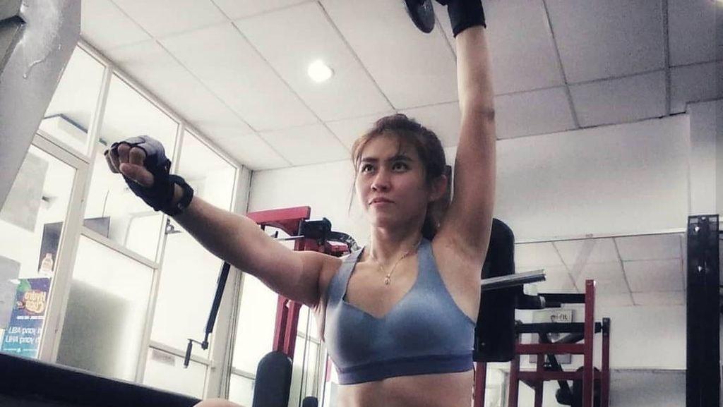Foto: Cerita Bidan Cantik Putri Fe, Rajin Olahraga Karena Tak Ingin Sakit