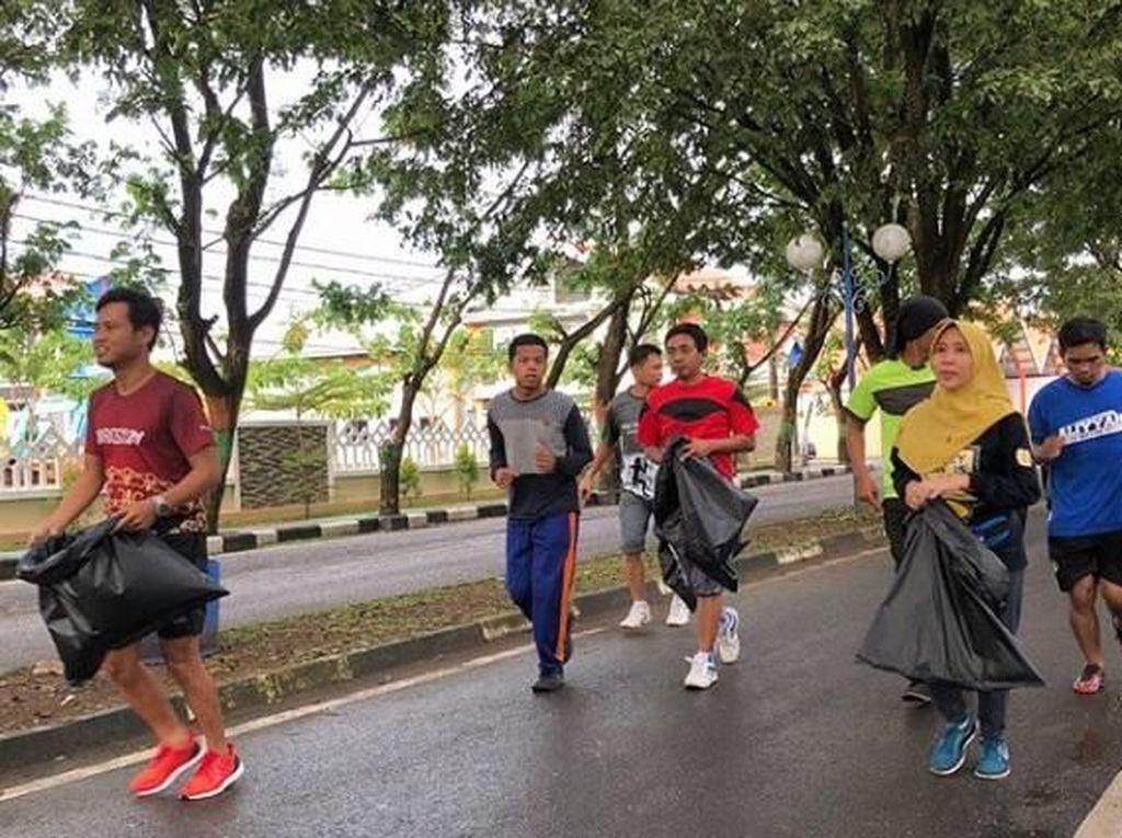Wih! Pertama Kali Plogging, Komunitas Ini Kumpulkan Puluhan Kg Sampah