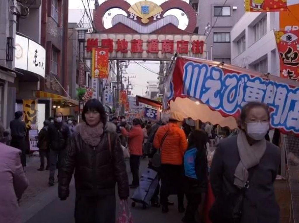Foto: Jepang Punya Kawasan Belanja Khusus Lansia