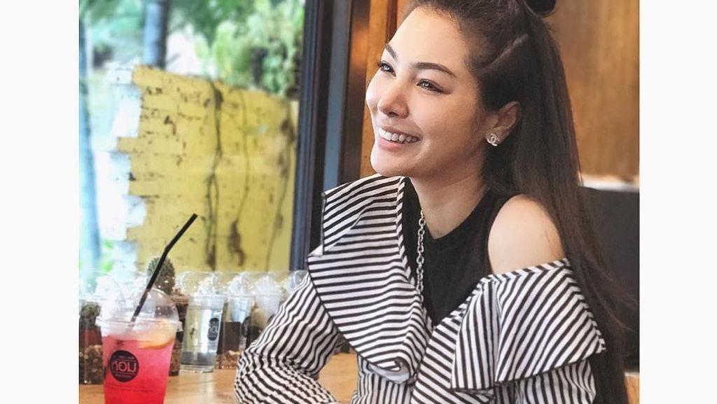 Dekat dengan Ivan Gunawan, Si Cantik Faye Malisorn Ternyata Pecinta Durian