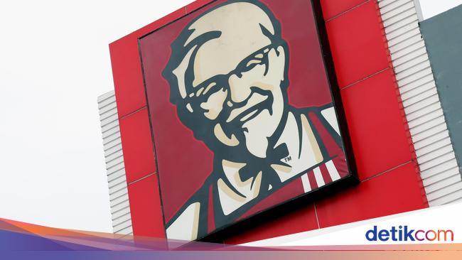 Alasan Karyawan Kepung Kantor KFC: Upah Dipotong h