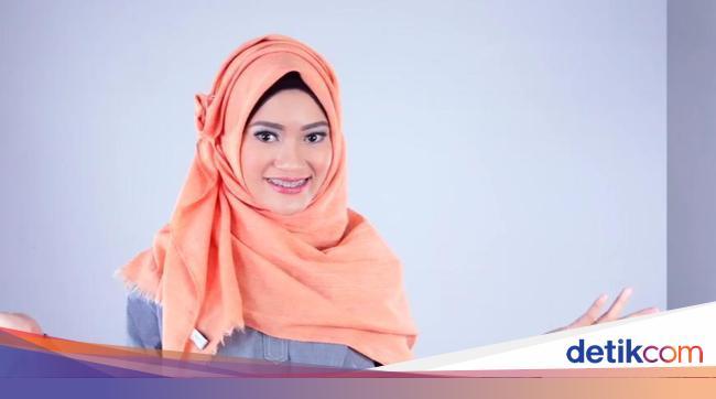 Tutorial Hijab Semi Formal Untuk Ke Kantor