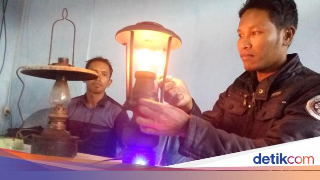 Pria Tamatan Sd Ini Ciptakan Lampu Listrik Unik Menyala Pakai Korek Api