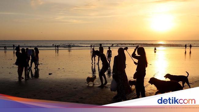 Kalahkan Singapura dan China, Turis Malaysia Paling Banyak ke RI