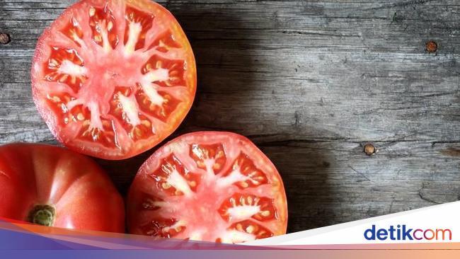Wajah Lebih Putih Dan Lembut Dengan 5 Racikan Masker Tomat Ini