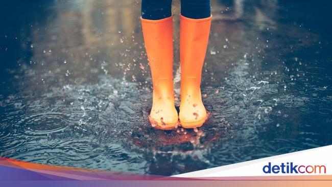 BMKG: Waspada Hujan Disertai Angin Kencang Guyur Jaksel-Jaktim Pagi Ini