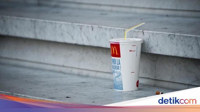 Seluruh Gerai McDonald s Inggris Akan Ganti Sedotan