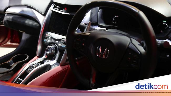 Dolar Ngamuk Honda Tahan Harga Mobil