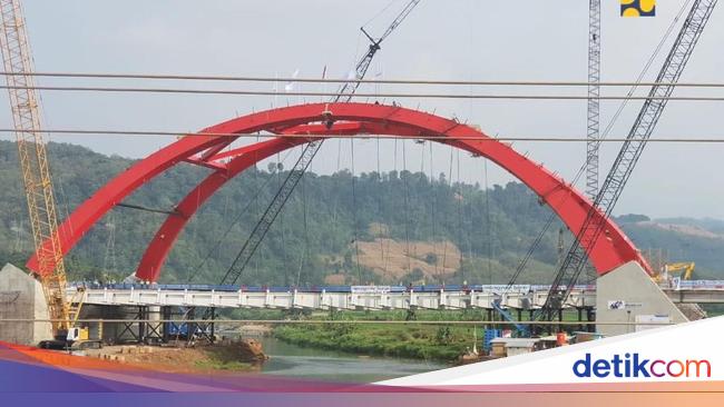 WSKT Jembatan Tol Kali Kuto yang Girdernya Ambruk Proyek Waskita Karya
