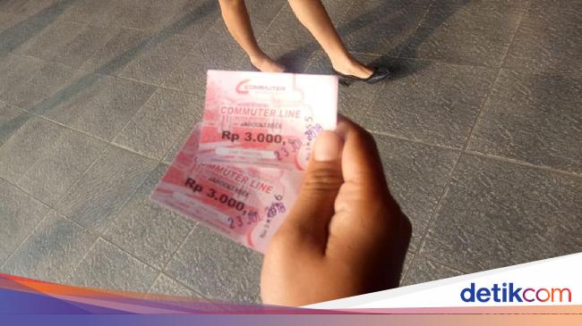 Keluh Kesah Netizen Laporkan Antrean KRL Jabodetabek
