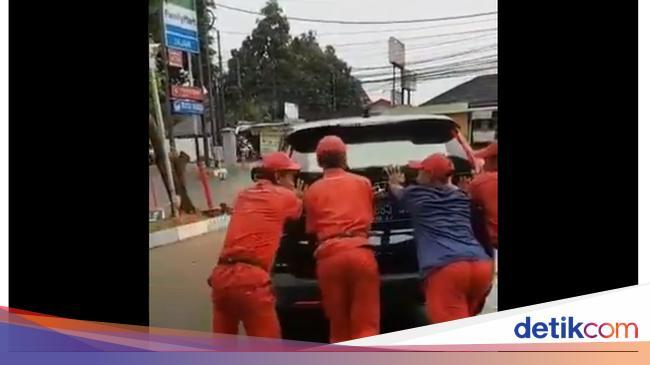 Mobil Menteri Agama Mogok karena Aki Tekor, Hindari ...