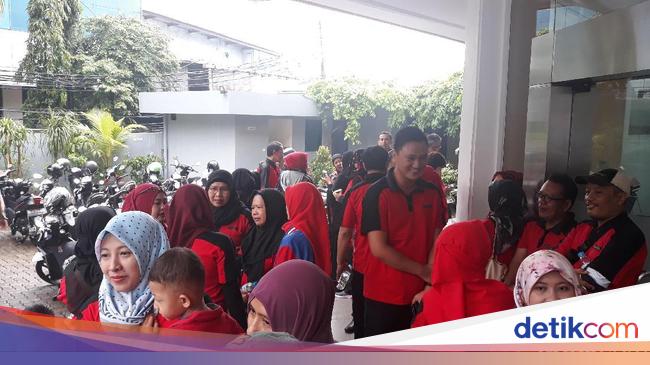 MDRN Demo Terakhir Tuntut Pesangon, Eks Pegawai Sevel Tempuh Jalur Hukum