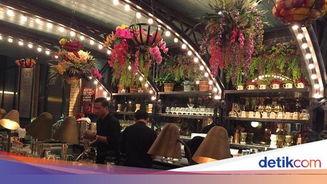 The Garden Restoran Berkonsep Taman Eksotis Nan Unik Di Pik