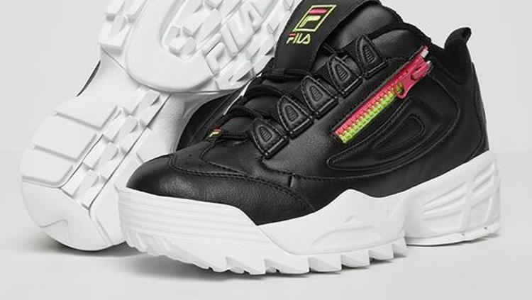 Sneakers Ikonis Fila Disruptor, Harga
