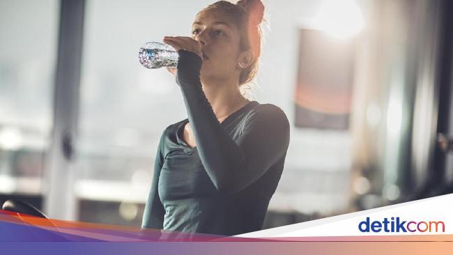 Berapa Konsumsi Air Putih Dalam Sehari Supaya Tidak Sakit Jantung