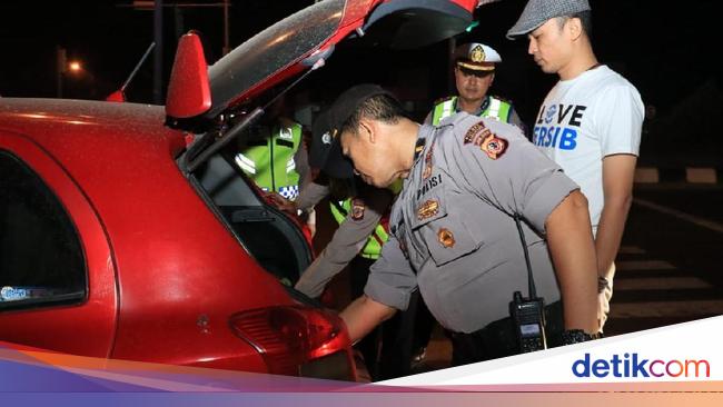 Cegah Massa Ke Jakarta, TNI-Polri Razia Kendaraan Di