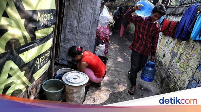 Ternyata Ini Penyebab Warga Miskin Jakarta Sulit Dapat Air