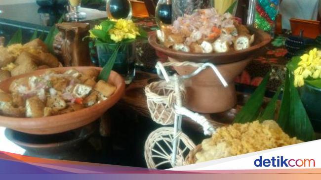 Bisa Makan Sepuasnya Di Resto Tradisional Di Bandung Ini