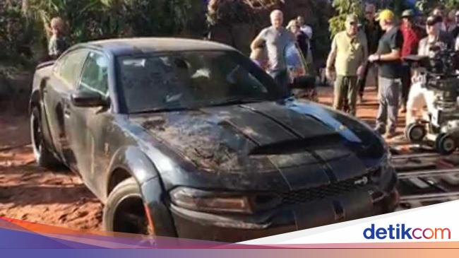 Syuting Fast & Furious 9, Vin Diesel Pamer Dodge Charger