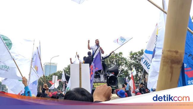 Pujian dan Sindiran Massa Buruh ke Ketua DPR Puan Maharani - detikNews