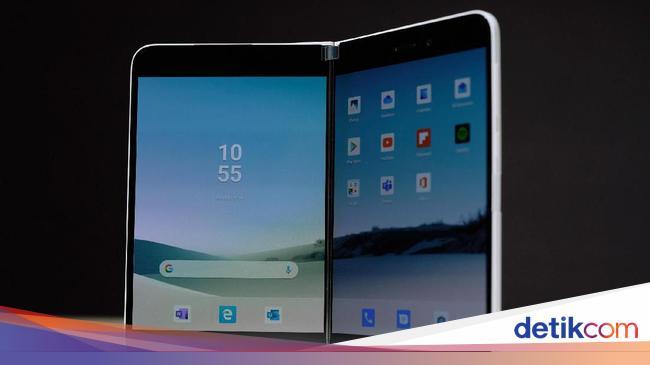 Harga Ponsel Lipat Microsoft Surface Duo Mirip iPhone 11 Pro