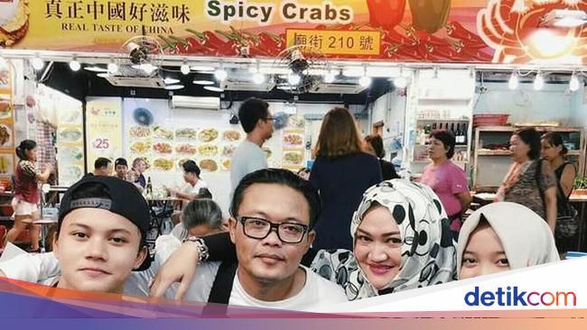 Momen Manis Mendiang Lina Bersama Keluarga Sule Saat Kulineran