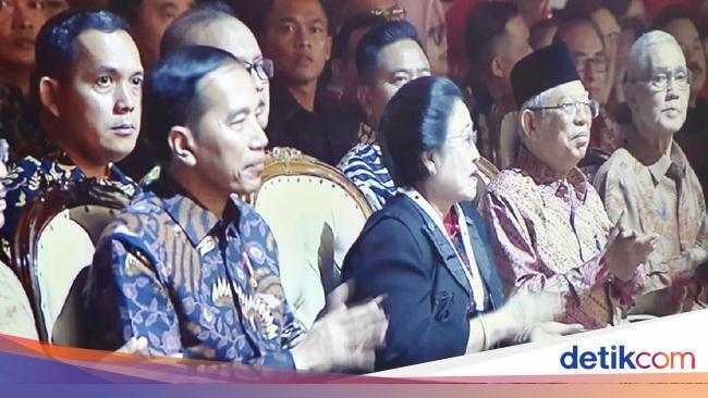 Sapa Prabowo di Rakernas PDIP, Megawati: Saya Senang Beliau Hadir